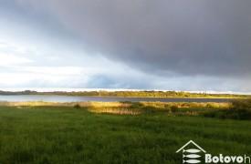 Территория базы отдыха озера Селигер